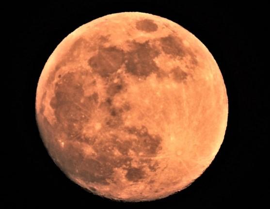 月の満ち欠け1